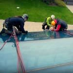 Výmena a umývanie okien horolezeckým zabezpečením