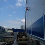 montáž bleskozvodu na fasádu výrobnej haly v priemyselnom parku - Malacky