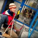 Umývanie okien na výškovej budove SPP